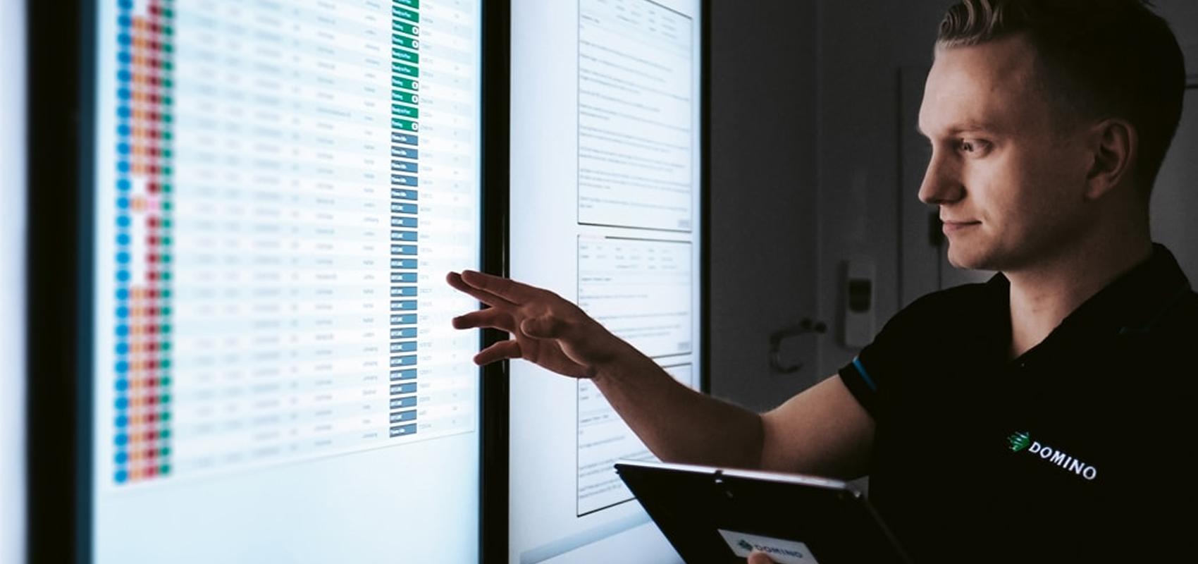 Monitoring printer performance remotely and analysing performance data
