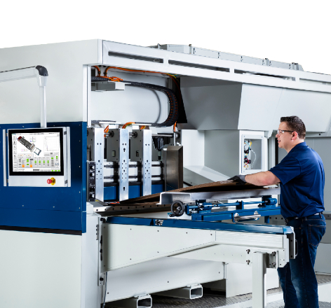 A Domino operator using the x630i Digital Corrugated Printing Press